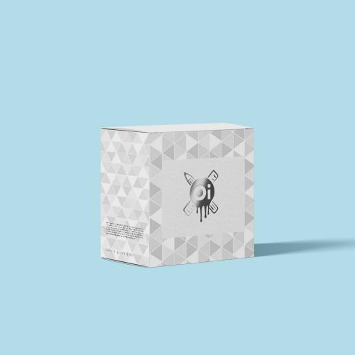 Коробка с тиснением серебрянной фольгой